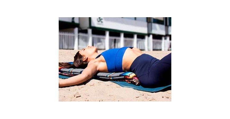 The blanket as a yoga prop